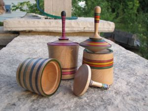 Spinning-Top Lidded Boxes